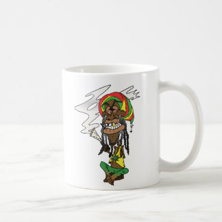Rastaman con porro, diente de oro y Jamaica gorro, Taza