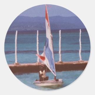 Rastaman en un velero, Montego Bay Jamaica Pegatina Redonda