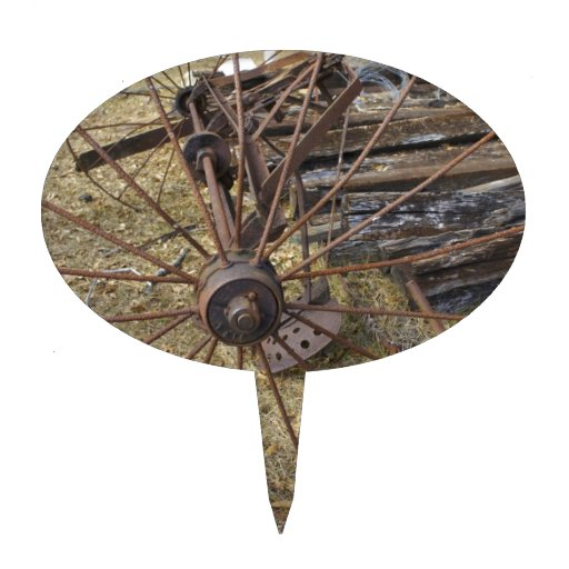 Rastrillo oxidado del heno figura de tarta