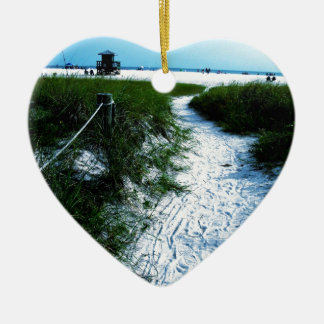 Rastro al mar adorno navideño de cerámica en forma de corazón