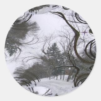 Rastro del fractal de los árboles de Snowscene Pegatina Redonda