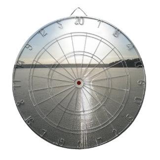 Rastro del trineo en el lago tabla dardos