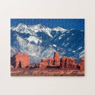 Rastro equilibrado de la roca puzzles con fotos