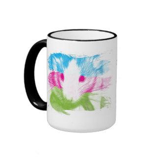 Rata artsy colorida en la taza