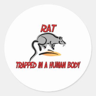 Rata atrapada en un cuerpo humano pegatina redonda
