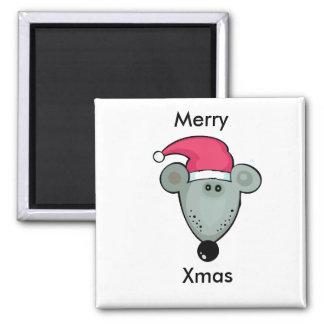 Rata del navidad en el gorra de Santa Imán Cuadrado