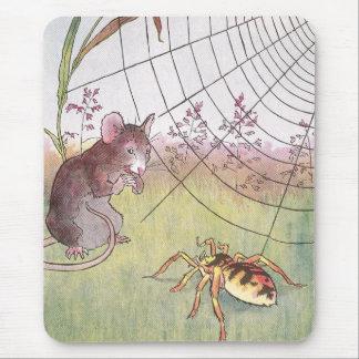 Ratón, araña y Web en el prado Mousepad