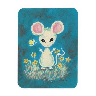 Ratón blanco con las flores y la mariposa amarilla imanes rectangulares