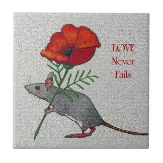 Ratón con la flor: El amor nunca falla: Lápiz del  Azulejo Ceramica