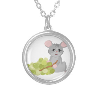 Ratón con la uva collar plateado