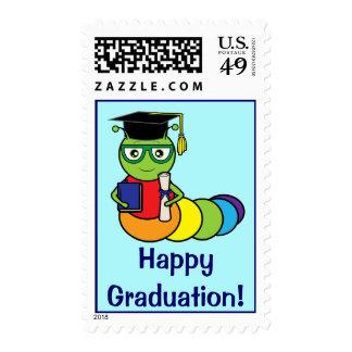Ratón de biblioteca de la graduación con el sello postal