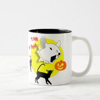 Ratón de la calabaza de Halloween y taza de los ga