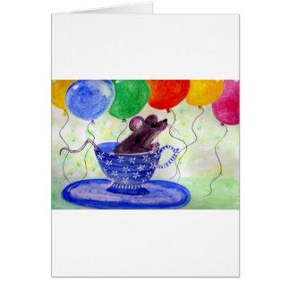 Ratón de la taza de té de la sorpresa tarjeta de felicitación