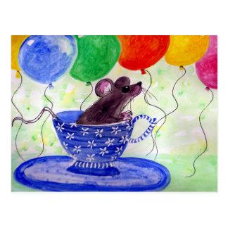 Ratón de la taza de té de la sorpresa tarjeta postal