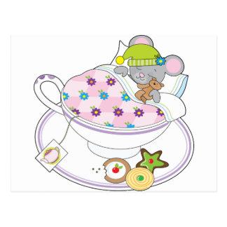 Ratón de la taza de té postal
