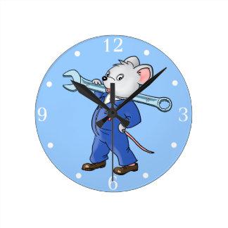 Ratón de trabajo del dibujo animado - reloj de