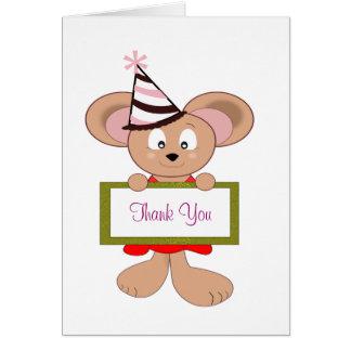 Ratón del dibujo animado en muestra del cumpleaños tarjeta pequeña
