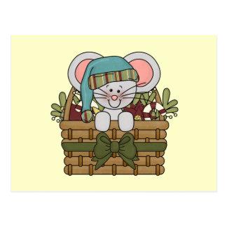 Ratón del navidad en cesta postales
