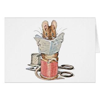 Ratón del sastre en el carrete del hilo tarjeta