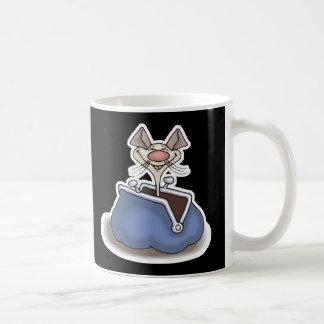 ratón divertido en monedero del cambio tazas de café