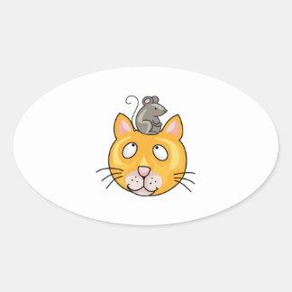 Ratón en la cabeza de los gatos pegatina ovalada