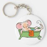 Ratón en una bañera llavero personalizado