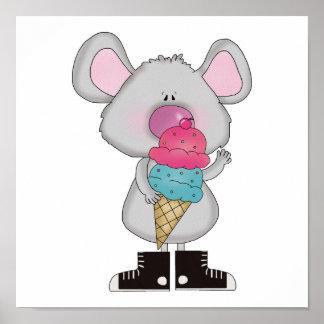 ratón lindo con el cono de helado posters