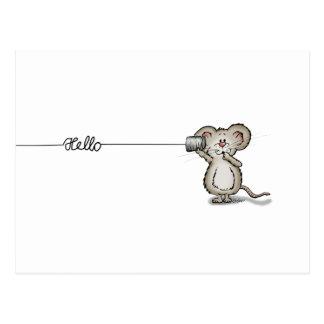 Ratón lindo con un teléfono de la poder por tarjeta postal