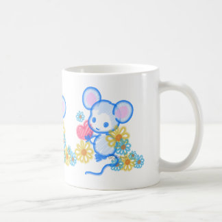 Ratón lindo del amor con el corazón tazas de café