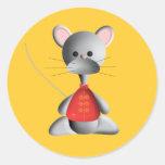 Ratón lindo en el oro etiquetas redondas