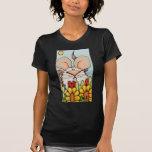Ratón lindo en la escena colorida de flores y de l camiseta