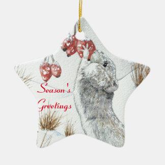 Ratón lindo y arte rojo de la fauna de la escena adorno navideño de cerámica en forma de estrella