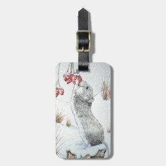 Ratón lindo y fauna roja de la escena de la nieve etiquetas bolsa