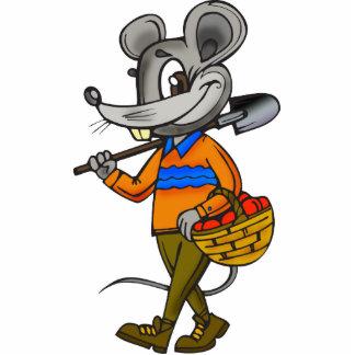 Ratón que cultiva un huerto escultura fotográfica