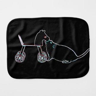 ratón que huele el animal lindo oscuro del caballo paños para bebé