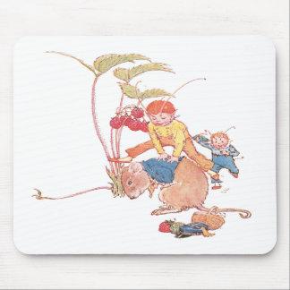 Ratón y hadas que juegan pídola alfombrilla de ratón