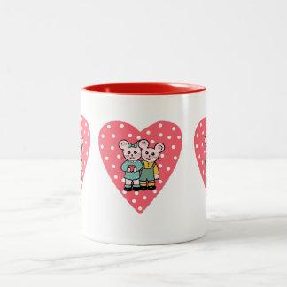 Ratoncitos enamored Two-Tone coffee mug