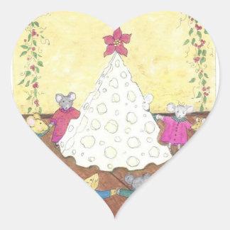 Ratones alrededor de un árbol de navidad del queso pegatina en forma de corazón