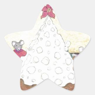 Ratones alrededor de un árbol de navidad del queso pegatina en forma de estrella