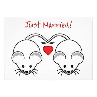 Ratones del boda blancos comunicados
