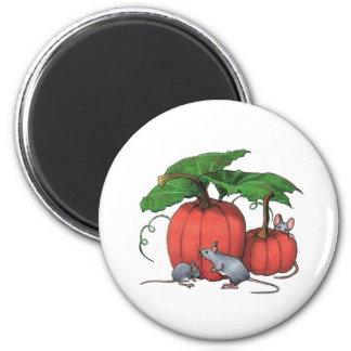 Ratones y calabazas: Escena linda del otoño: Arte Imán Redondo 5 Cm