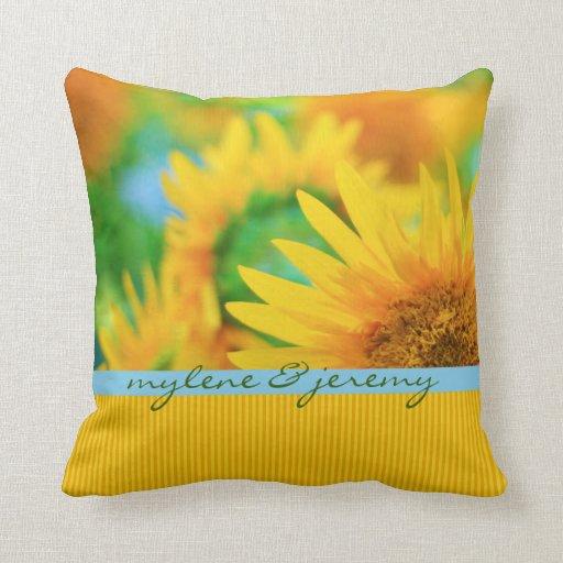 Raya anaranjada azul del girasol amarillo feliz al almohadas