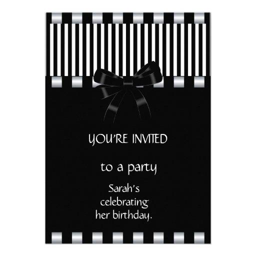 Raya blanca negra de las invitaciones y de las inv invitaciones personales