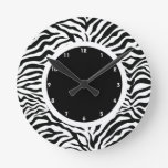 Raya blanco y negro de la cebra reloj de pared