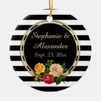 Raya blanco y negro floral del vintage adorno navideño redondo de cerámica