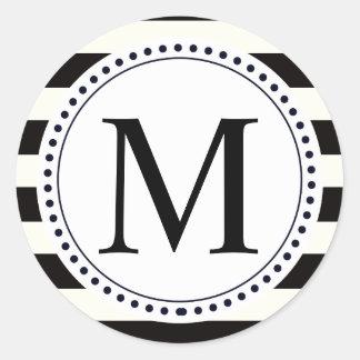 Raya blanco y negro intrépida del monograma de la pegatina redonda