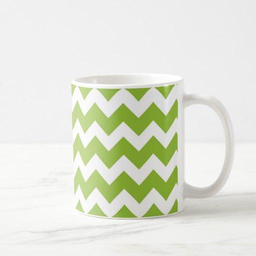 Raya de Chevron de la verde lima y del blanco Tazas De Café