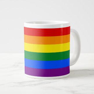 Raya de la bandera del arco iris del orgullo gay d taza extra grande