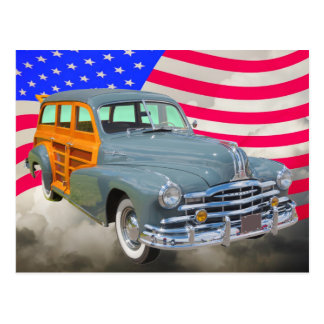 Raya de plata 1948 de Pontiac Woody y bandera de l Tarjeta Postal