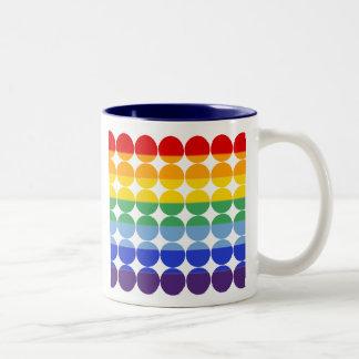 Raya del arco iris taza de café de dos colores